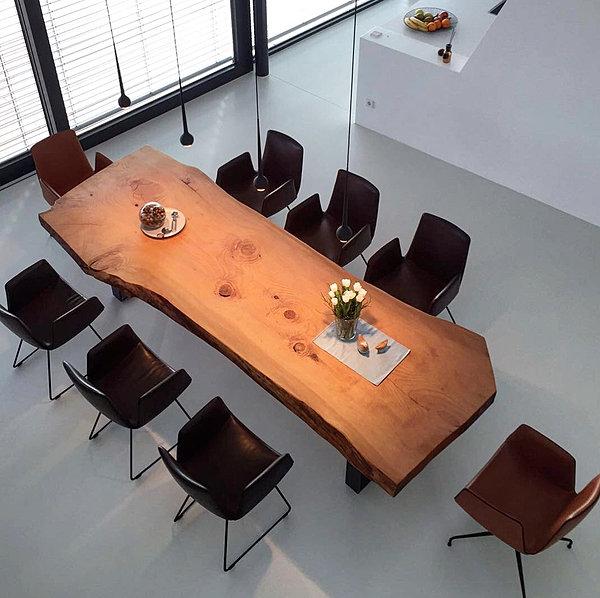 baumtisch esstisch aus zedernholz tisch unikat aus zedernholz die. Black Bedroom Furniture Sets. Home Design Ideas