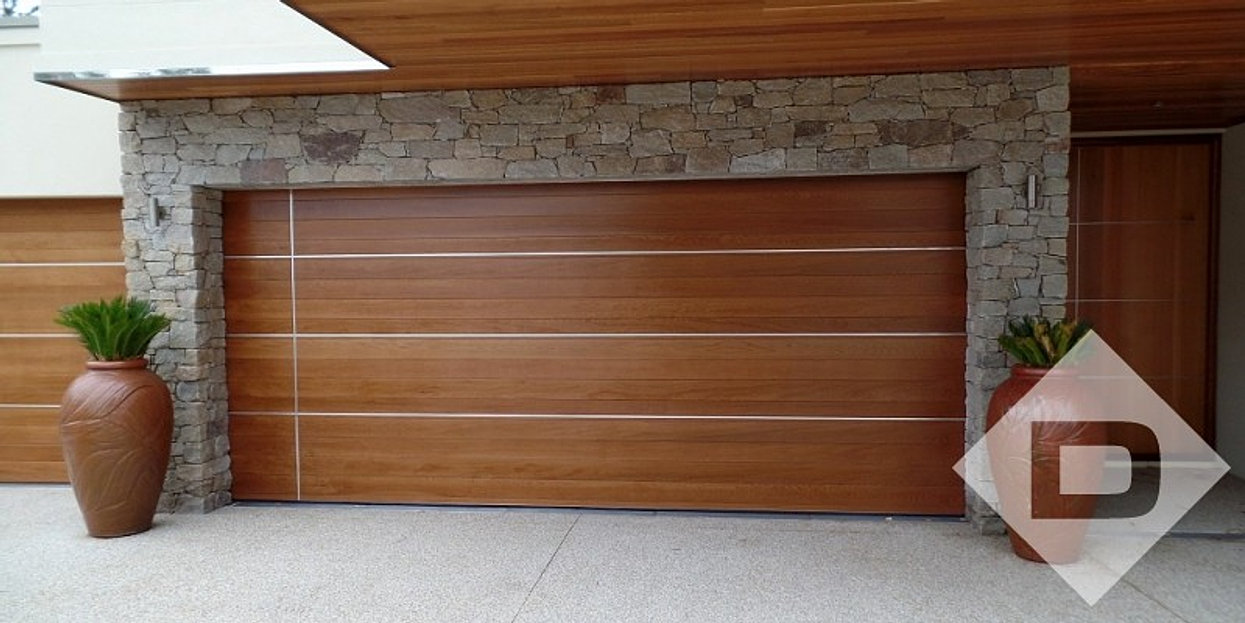 Horizontal-Cedar-Slats-with-aluminiu & Aluminium DoorsWindows and Garage Doors Pezcame.Com