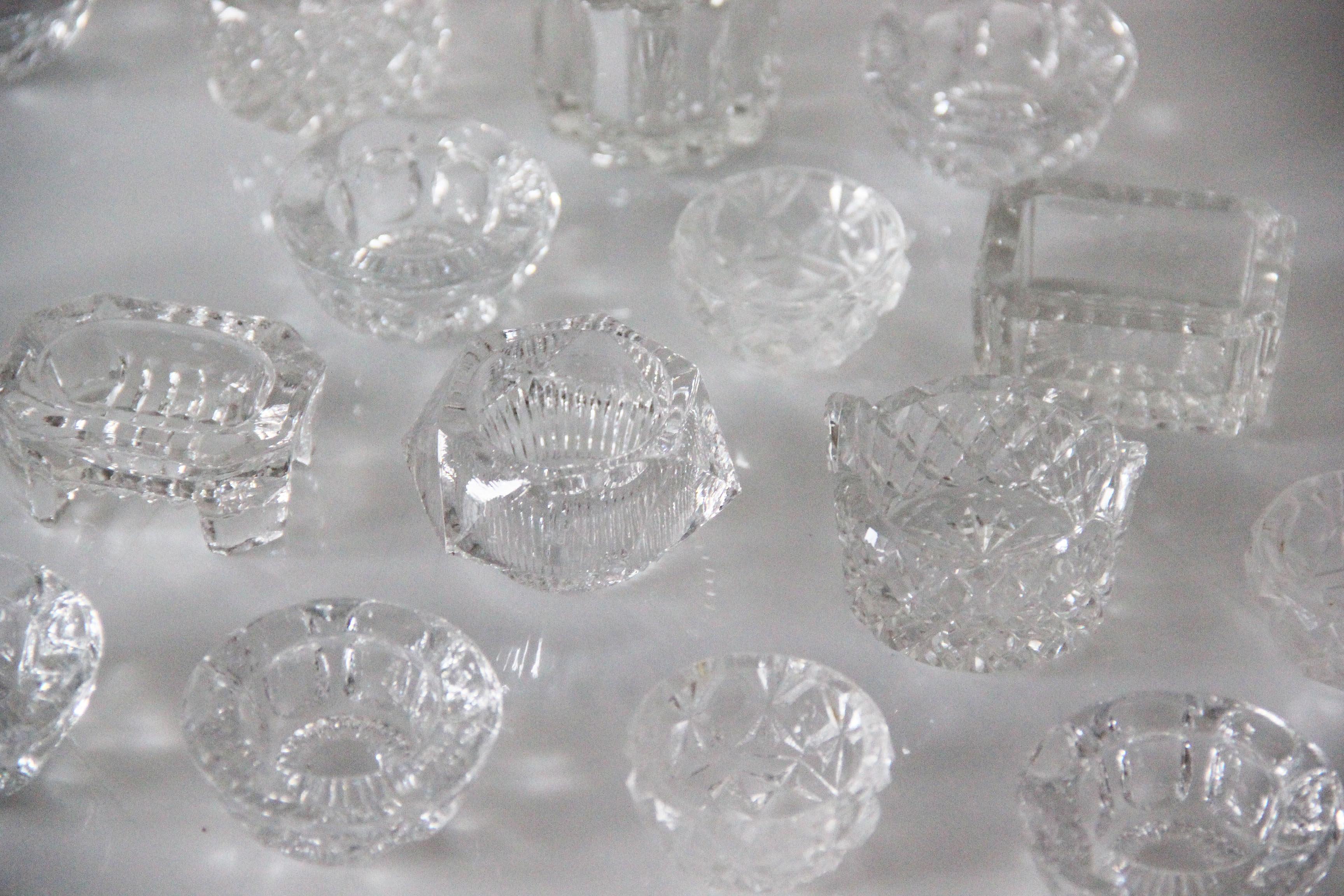 W Glass Crystal