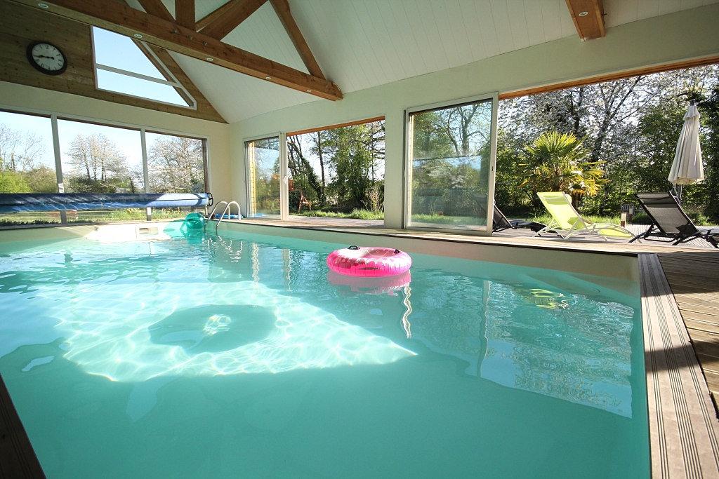 Location villa eden grande villa proche deauville piscine - Location maison avec piscine interieure ...