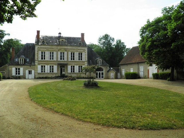 chateaux a vendre buy castle france buy manor france. Black Bedroom Furniture Sets. Home Design Ideas