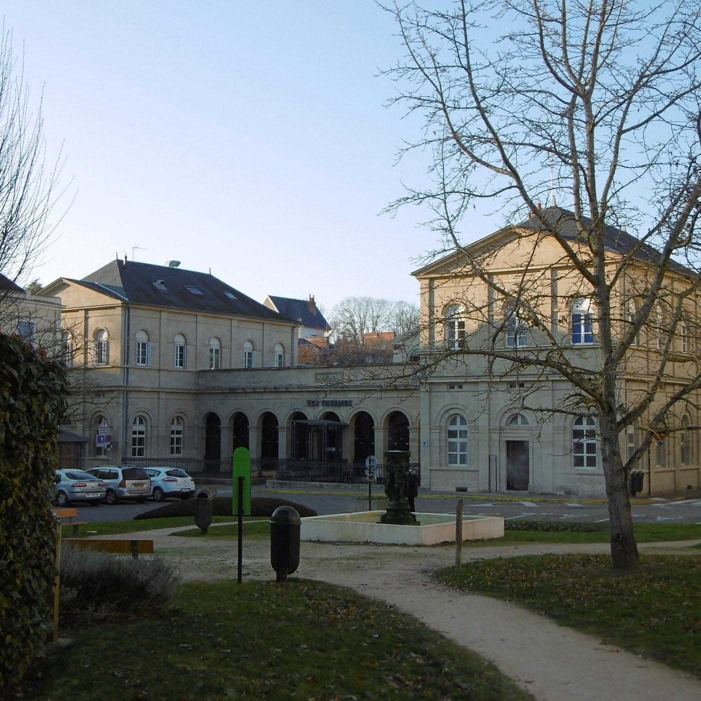 Villa De La Paix Location D 39 Appartements Meubl S Neris