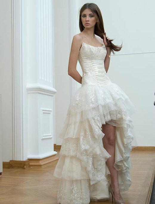 Свадебные платья короткие спереди
