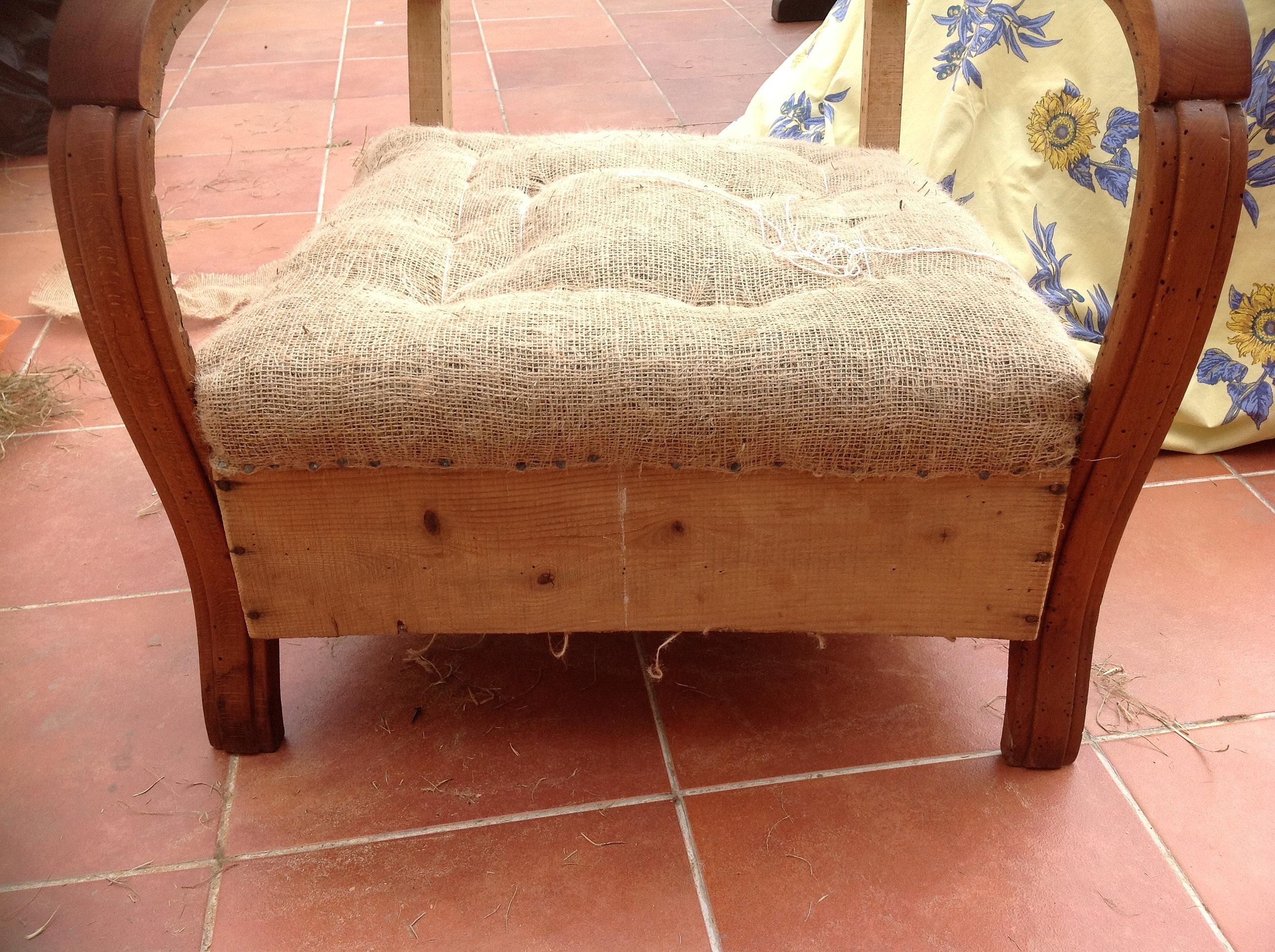 tapissier sauve tapisser quissac refection fauteuils. Black Bedroom Furniture Sets. Home Design Ideas