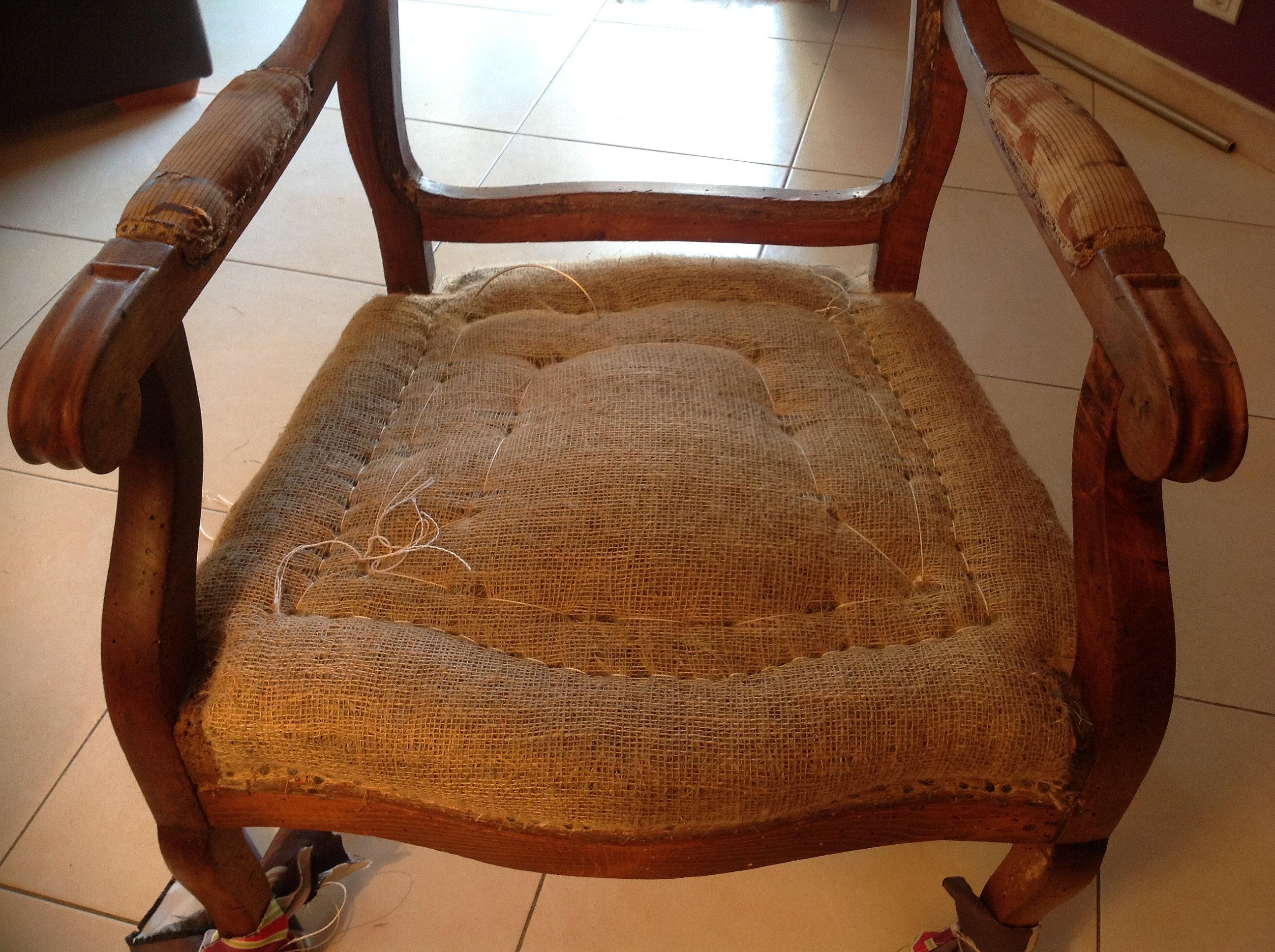 tapissier sauve tapisser quissac refection fauteuils voltaire sauve tapissier sauve. Black Bedroom Furniture Sets. Home Design Ideas