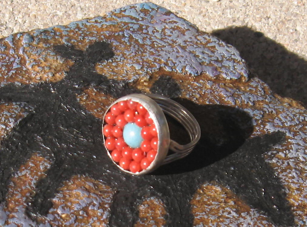 round red bead ring