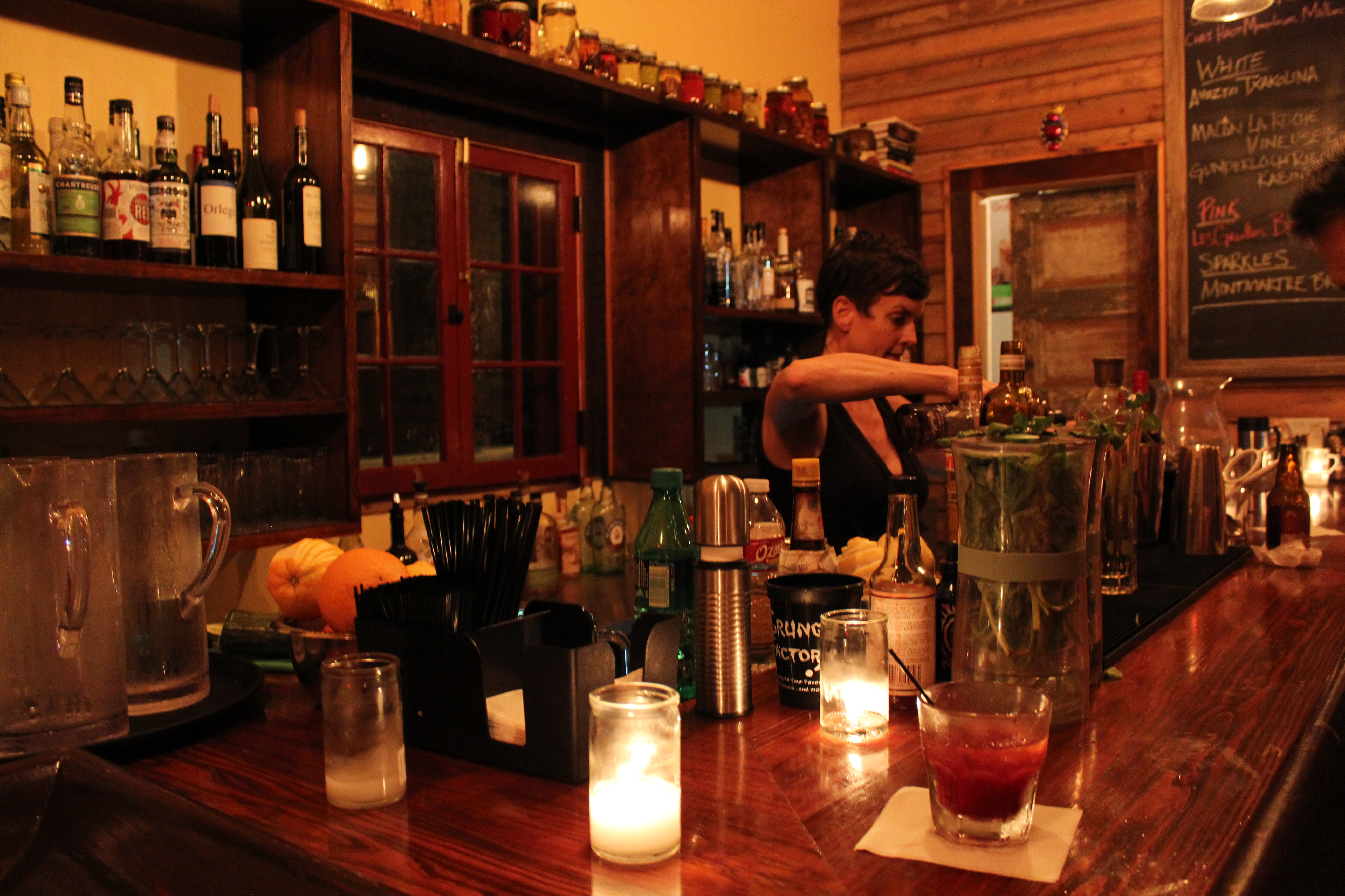 dating wine bar Houston's top 10 hookup bars angelica leicht 10 houston's top 10 hookup bars  super-stiff drinks, and some dive bar-loving patrons -- next door,.