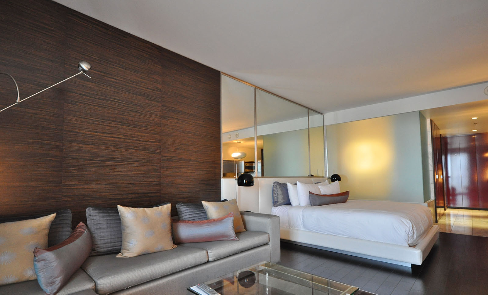 Palms Place 2 Bedroom Suite Airpadscom Search To Stay In One Of Our Plush Accomodations