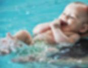 Une approche sans crainte à la natation pour les tout petits.