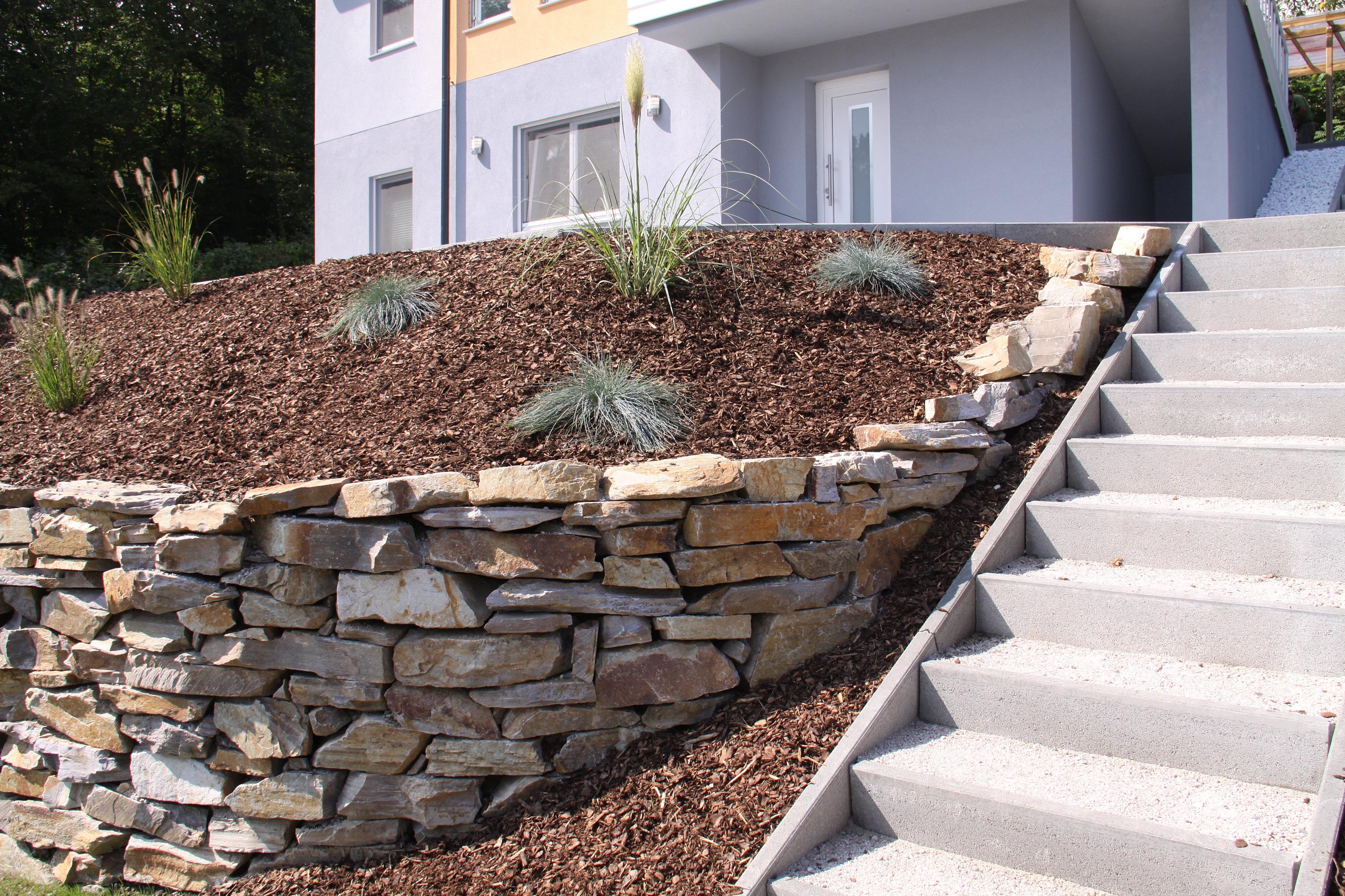 Gartengestaltung peter reinisch natursteinmauer for Gartengestaltung natursteinmauer