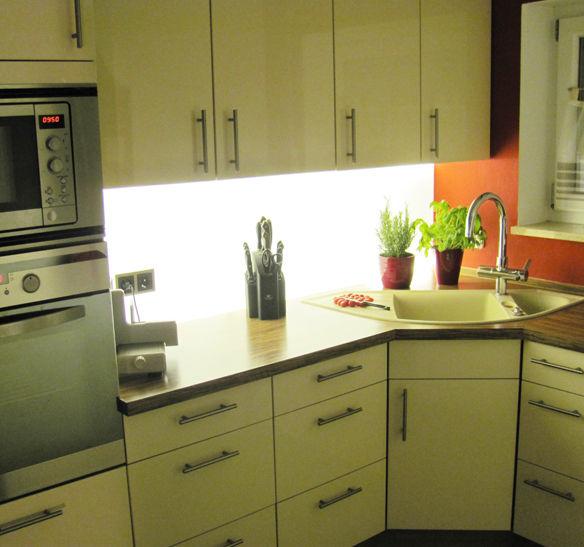 led panel luxolution. Black Bedroom Furniture Sets. Home Design Ideas