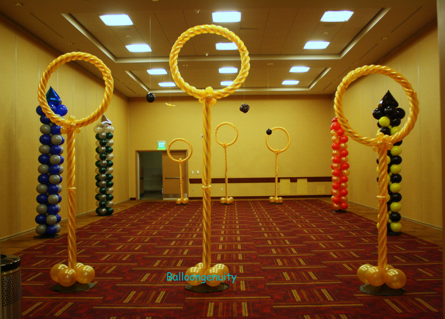 Balloongenuity ingenious balloon creativity central for Balloon dance floor decoration