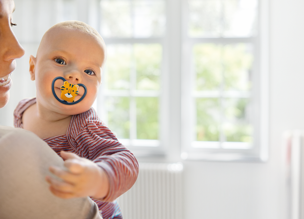 PIC_NUK_baby_with_pacifier_Space_Tiger.p