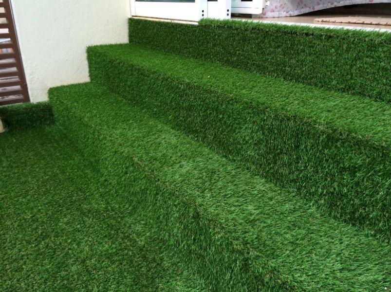 De signature gardens landscaping design and build for Balcony artificial grass