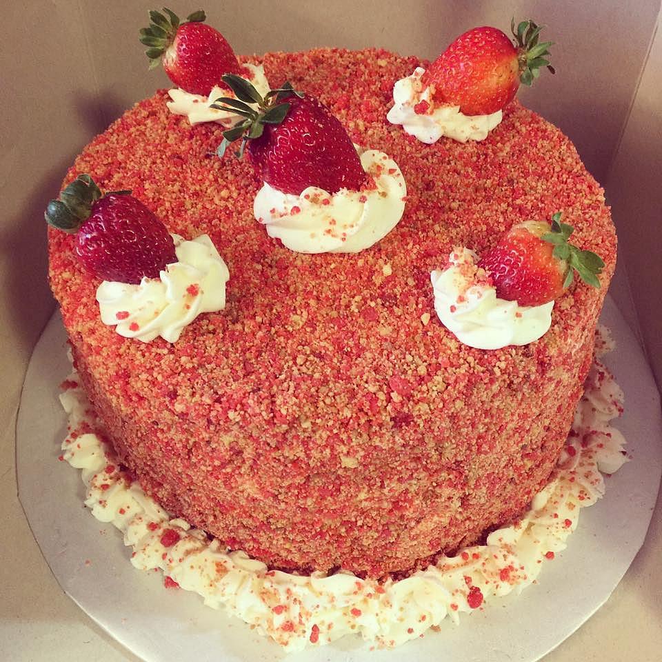 Strawberry Shortcake Cheesecake Cake Recipe