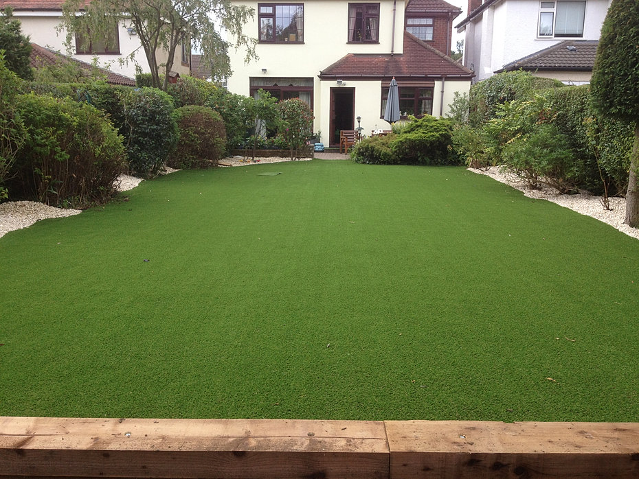 Landscape Garden Nuneaton : Grass rear garden coventry design warwick