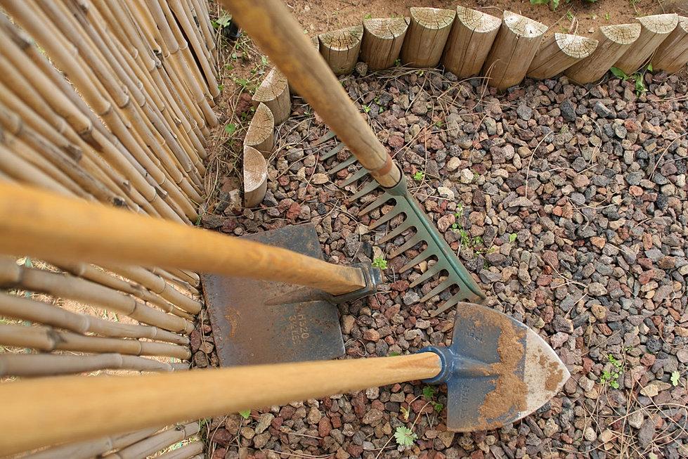 La bourrache paniers bio et entretien de parcs et for Entretien jardin 22