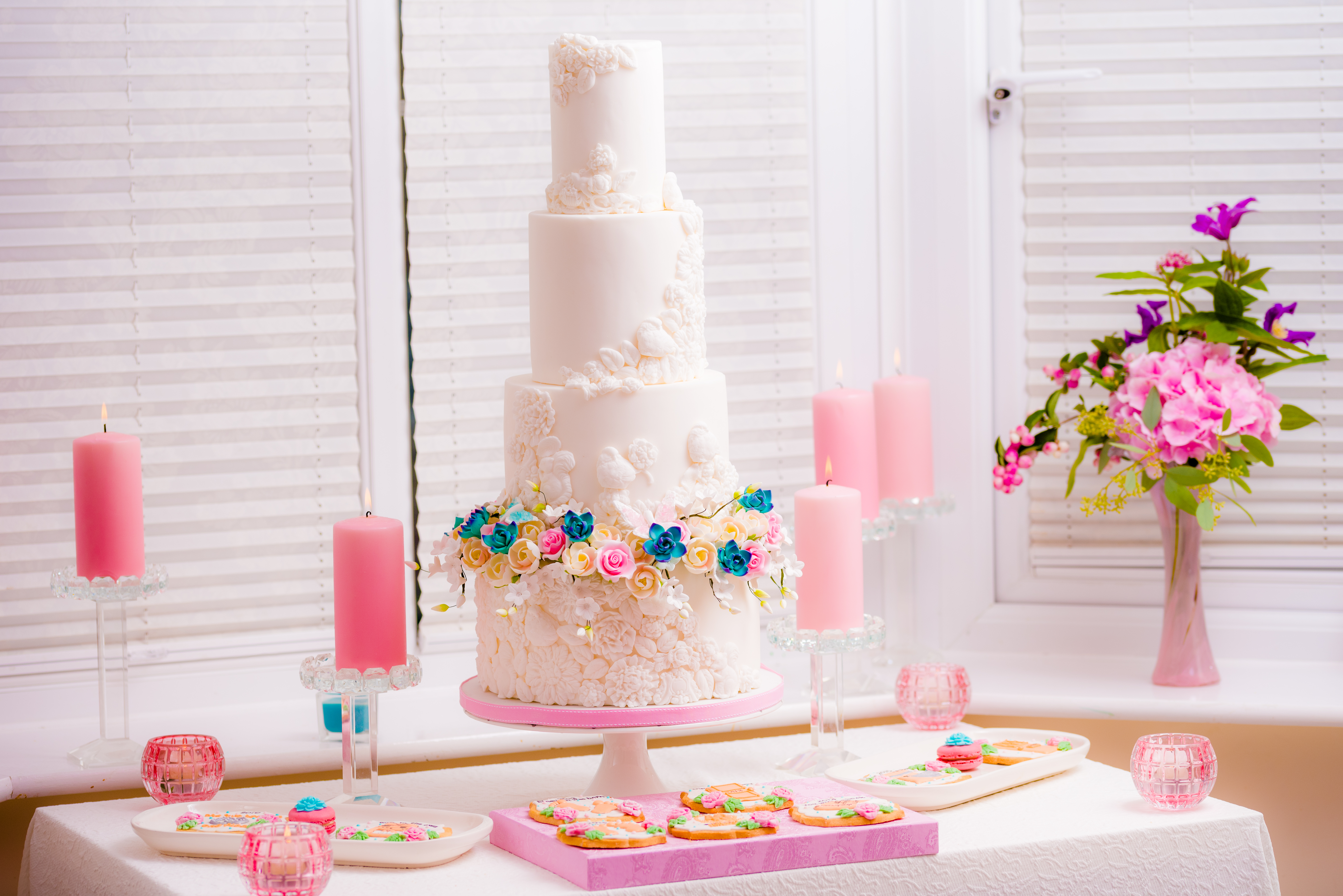 Tees Bakery   Luxury Wedding Cakes on Feedspot - Rss Feed