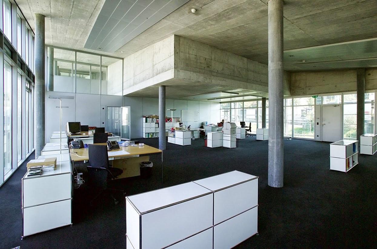 b ro z rich open space. Black Bedroom Furniture Sets. Home Design Ideas