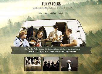 Folk-Band Template - Eine Website-Vorlage in Harmonie mit Ihrem Sound. Ihre Besucher können Ihre Setlist ansehen, Ihre Tracks hören und Ihre Band für Auftritte buchen. Gestalten Sie das Design, sodass es zu Ihrem Stil passt!