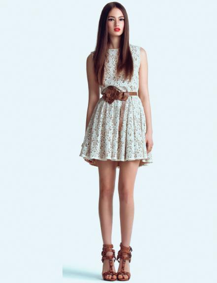 Платье кружевное светлое фото