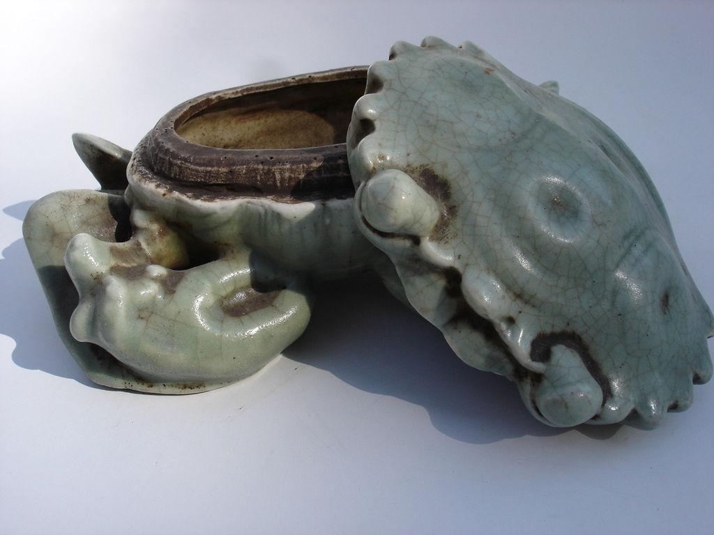 Caranguejo-pote vietnamita em porcelana Celadon