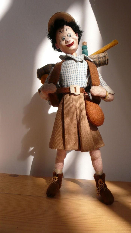 Boneco em feltro alemão articulado
