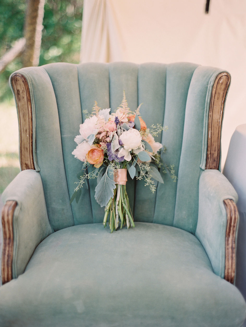 vintage whites wedding rentals