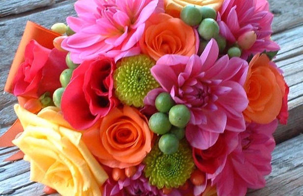 bright-color-wedding-bouquet-2[1]- compressed