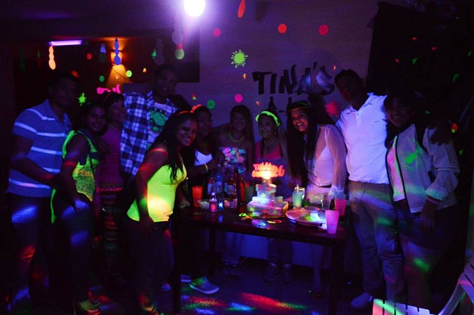 Decoracion Karaoke Party ~ iluminacion decoracion de fiestas luces neon party y eventos 23038