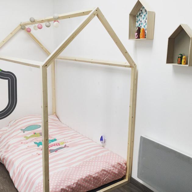 structure cabane lit excellent lit enfant simple lit cabane with structure cabane lit simple. Black Bedroom Furniture Sets. Home Design Ideas