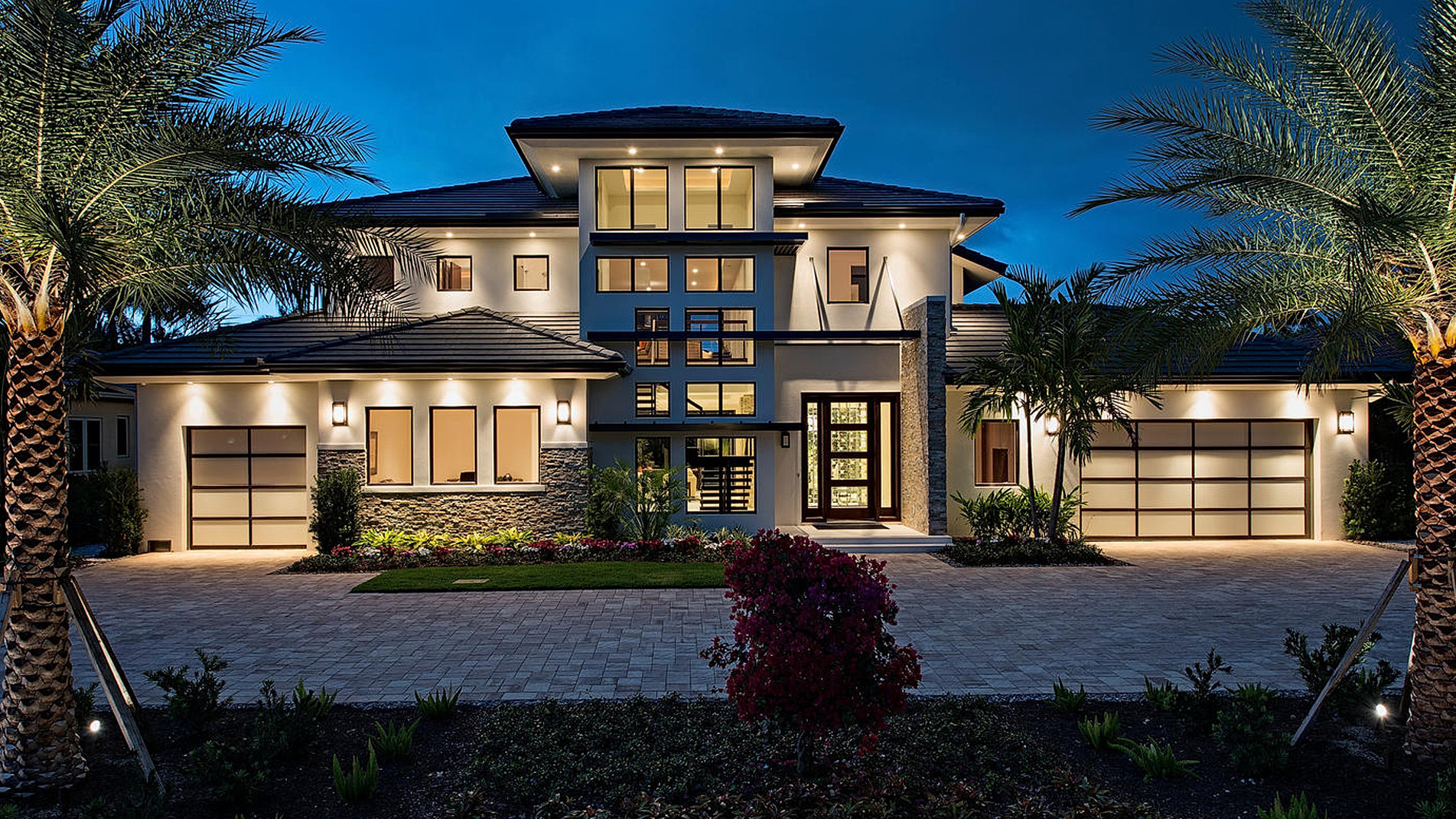 Custom luxury homes naples fl big island builders for Home builder contractors