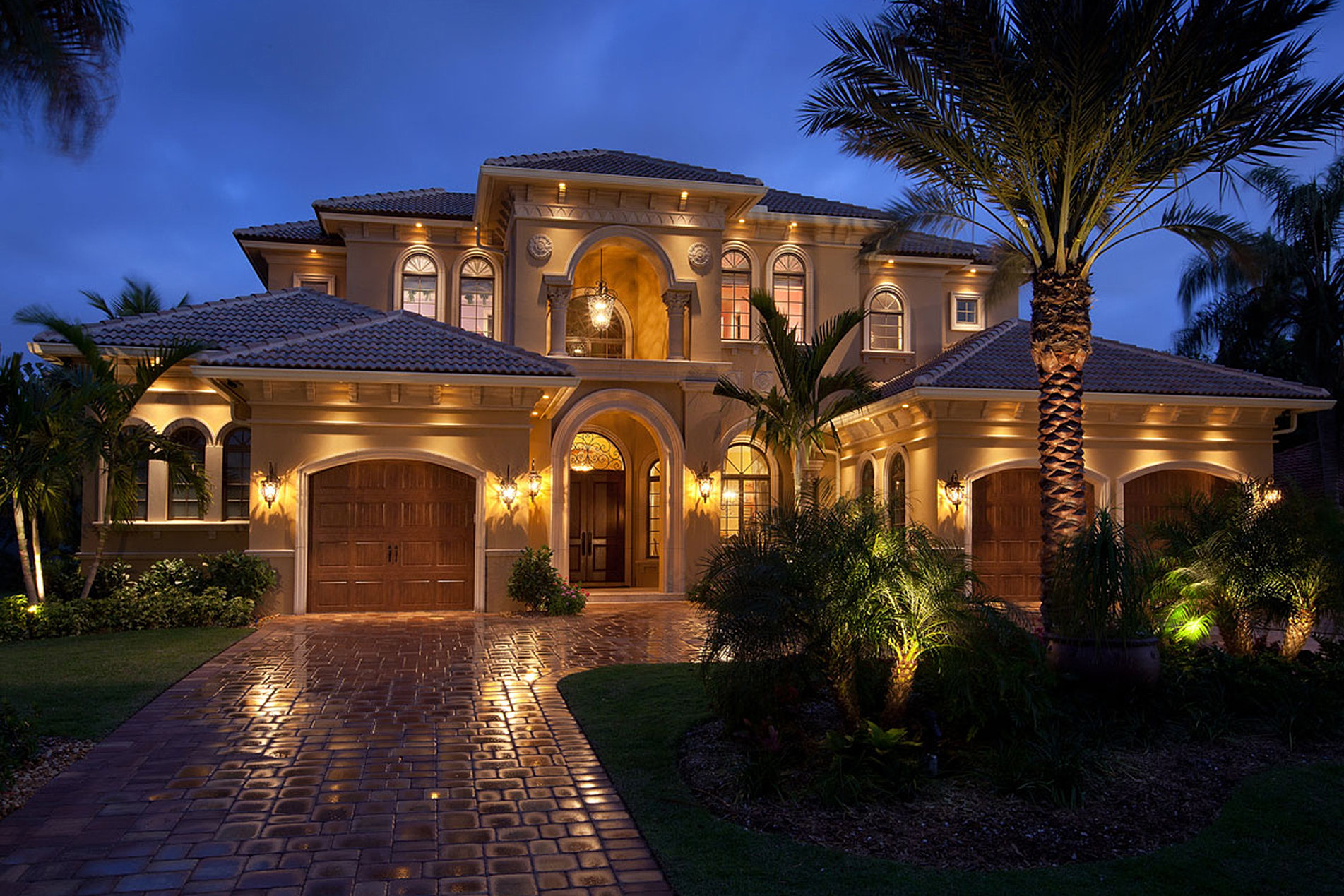 Custom luxury homes naples fl big island builders for Luxury home building