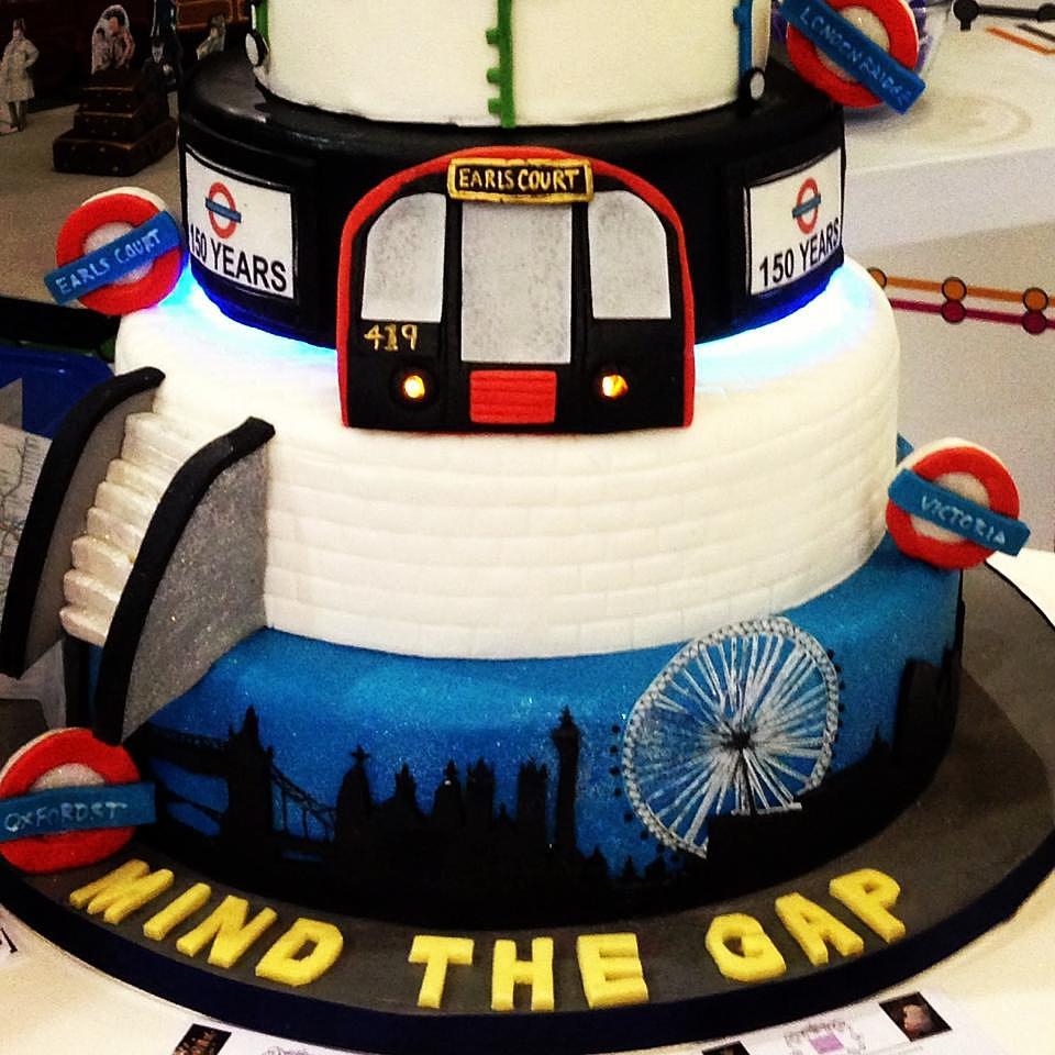 London Cake - Novelty Shaped cakes