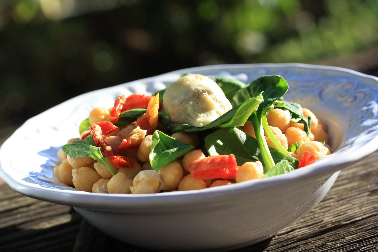 Chickpea salad with artichoke heart and sun-dried tomatoes 3.JPG