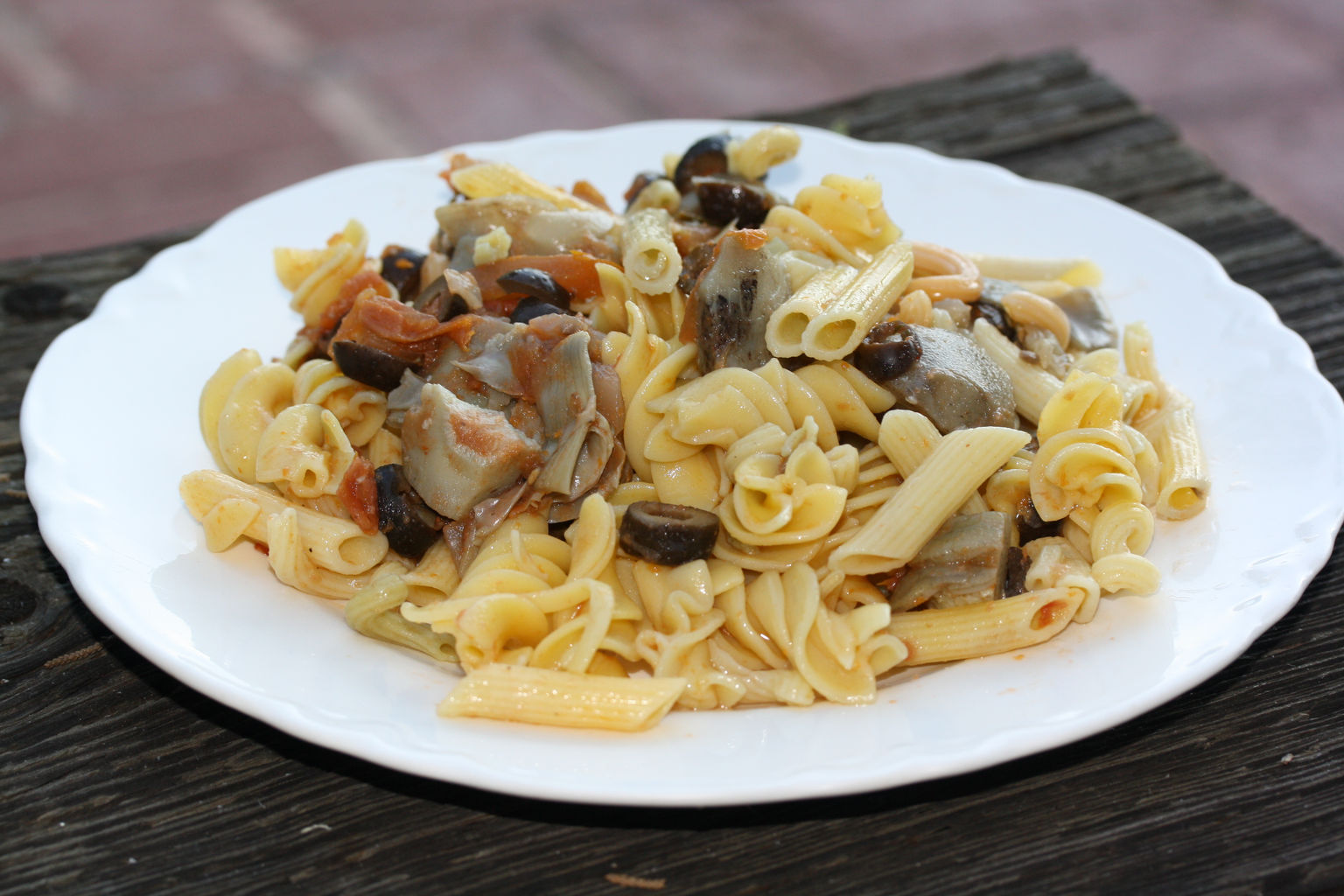 artichoke and olive pasta .JPG