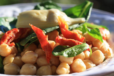 Chickpea+salad+with+artichoke+heart+and+sun-dried+tomatoes+2.JPG