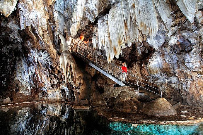 La gruta de las maravillas visita obligada en la sierra for Sala maravillas