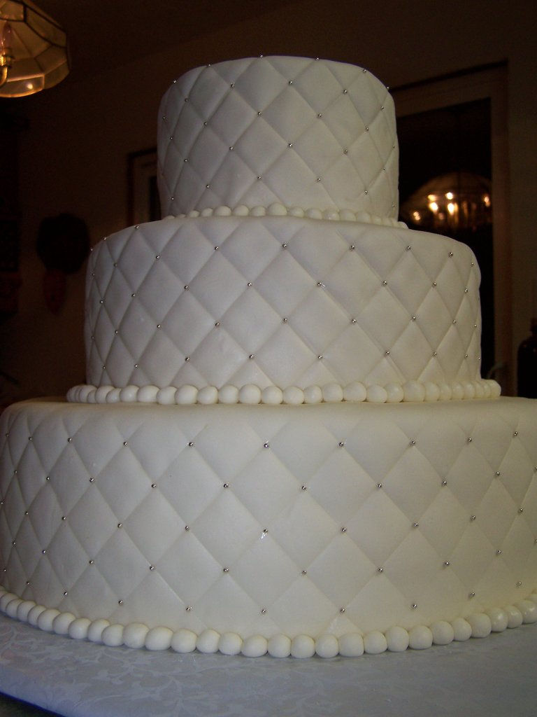 Quilt Pattern Wedding Cake : Paisley Cakes gallery Wix.com