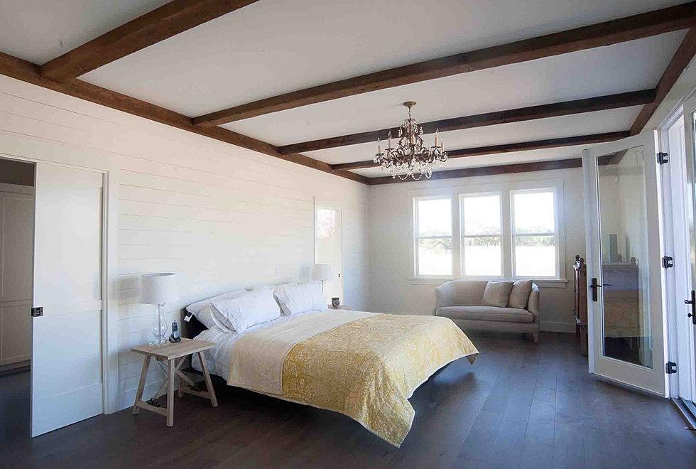 Downstairs master bedroom with bathroom walk in closet for Master bedroom downstairs
