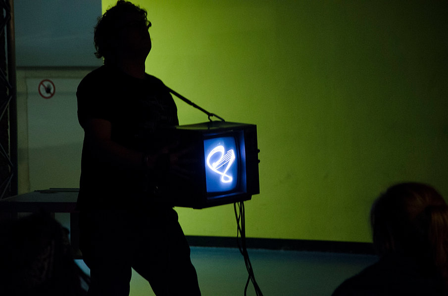 Kyle Evans de/Rastra 1