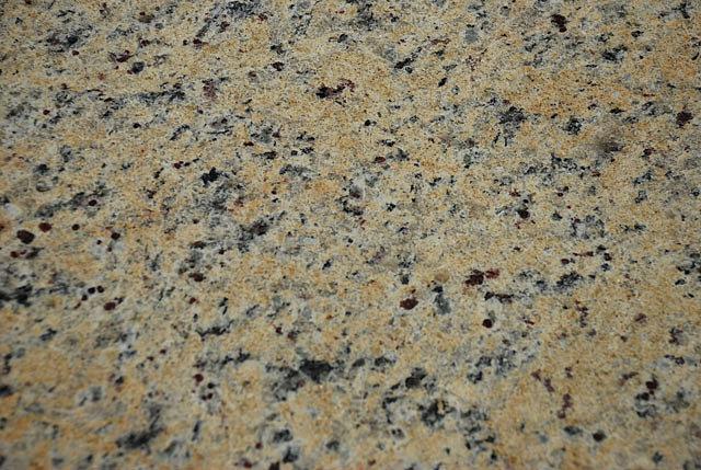 Piso de granito chapa de granito piso de granito ocre for Tipos de granito para pisos