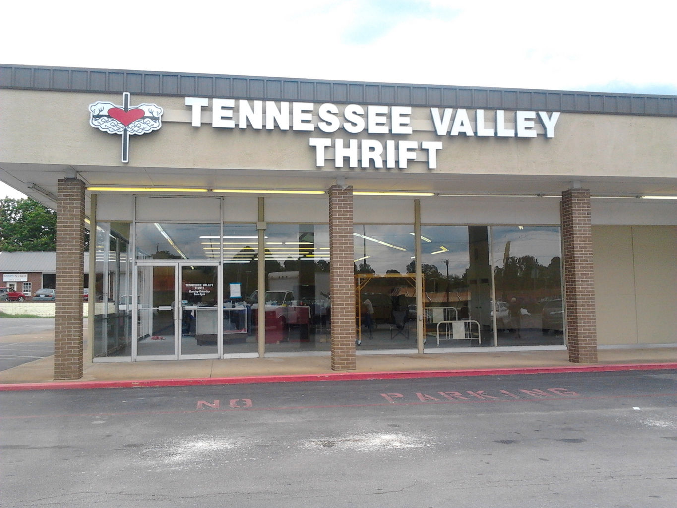 Tennessee Valley Outreach Located In Decatur Al Thrift Store