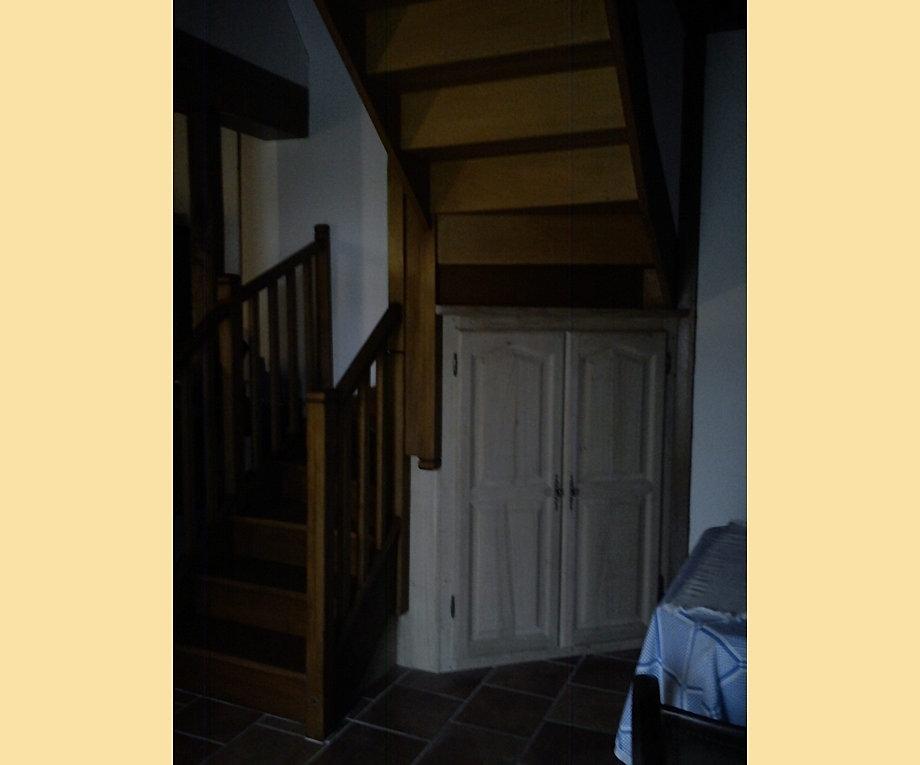 Menuiserie et fermetures couvinoises placards - Porte de placard sous escalier ...