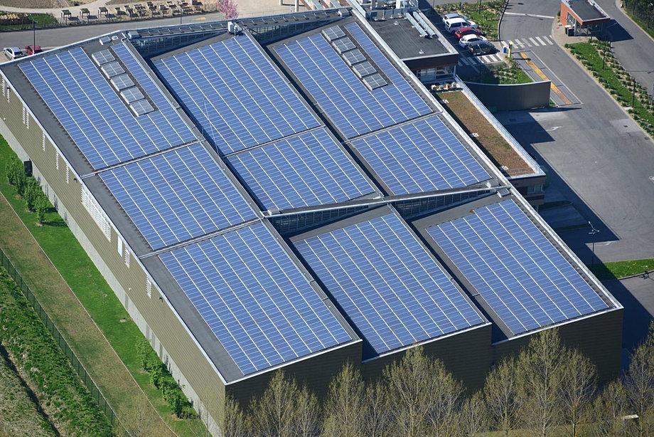 Philippe frutier altimage photos troisi me r volution for Recyclage des panneaux solaires