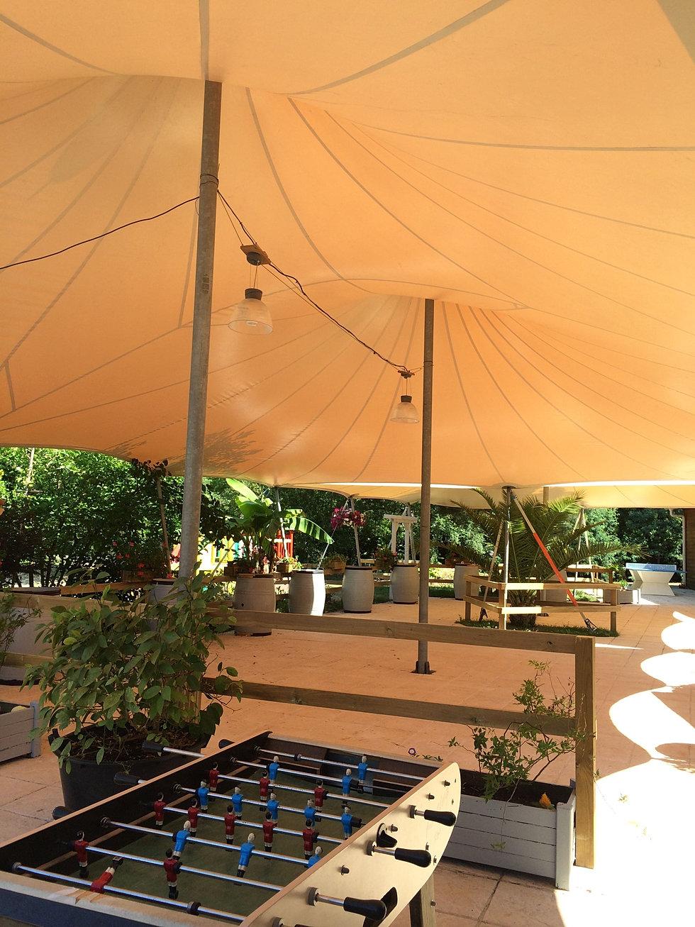 Toiles et structures abritez vous chez nous for Couverture pour terrasse