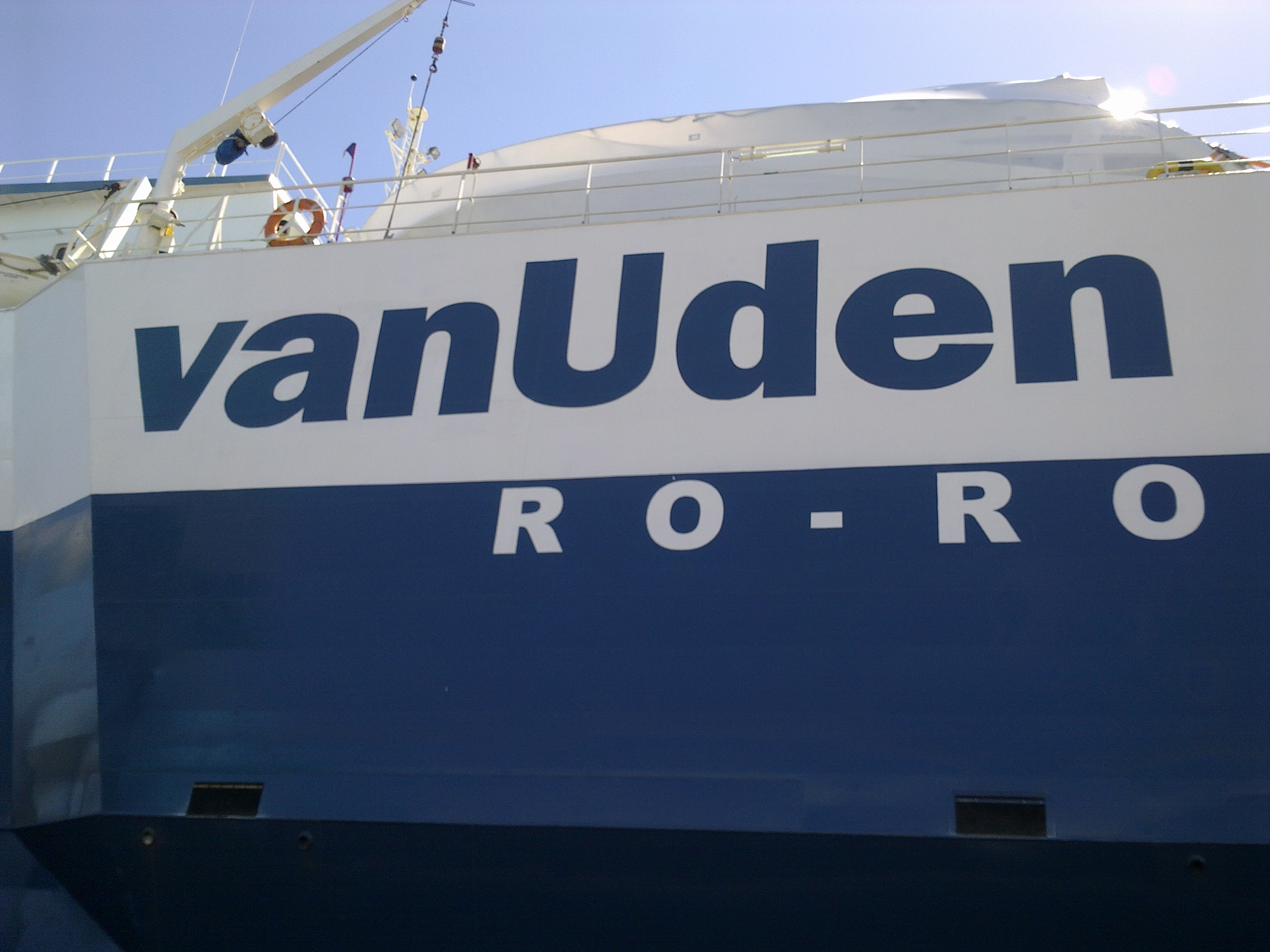 Garage Van Uden : Vanudenshipping roro