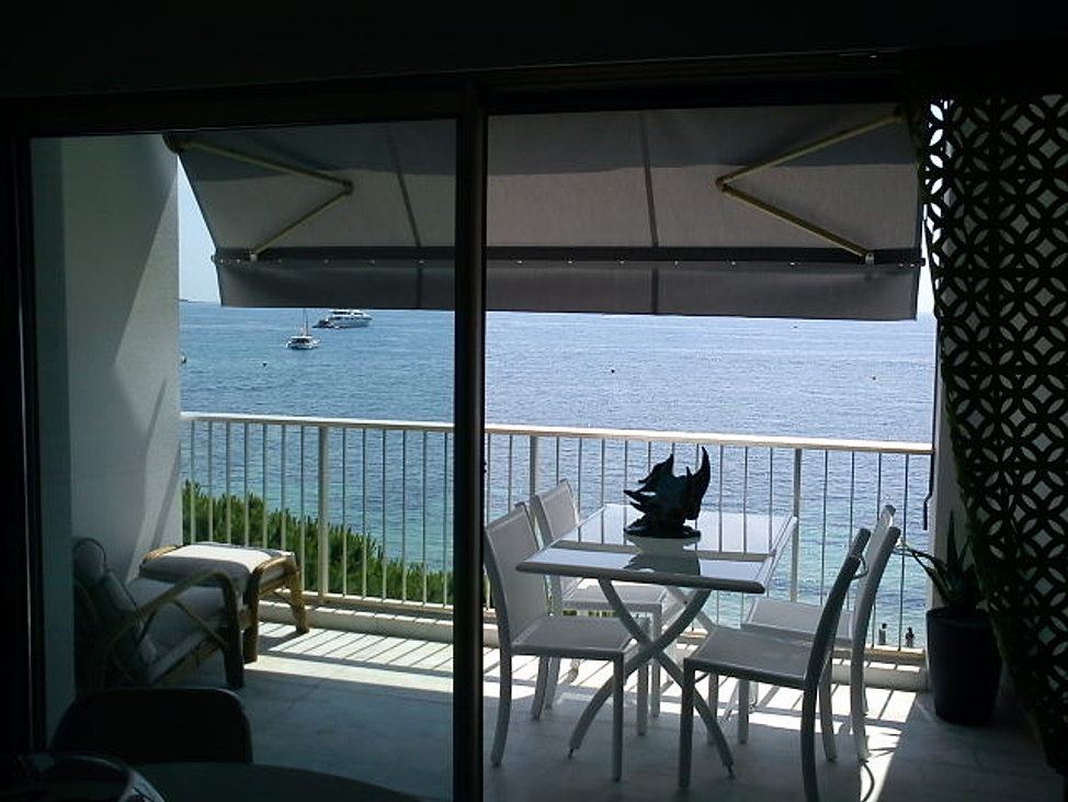 Location vue mer cannes palm beach appartement vacances for Location garage cannes palm beach