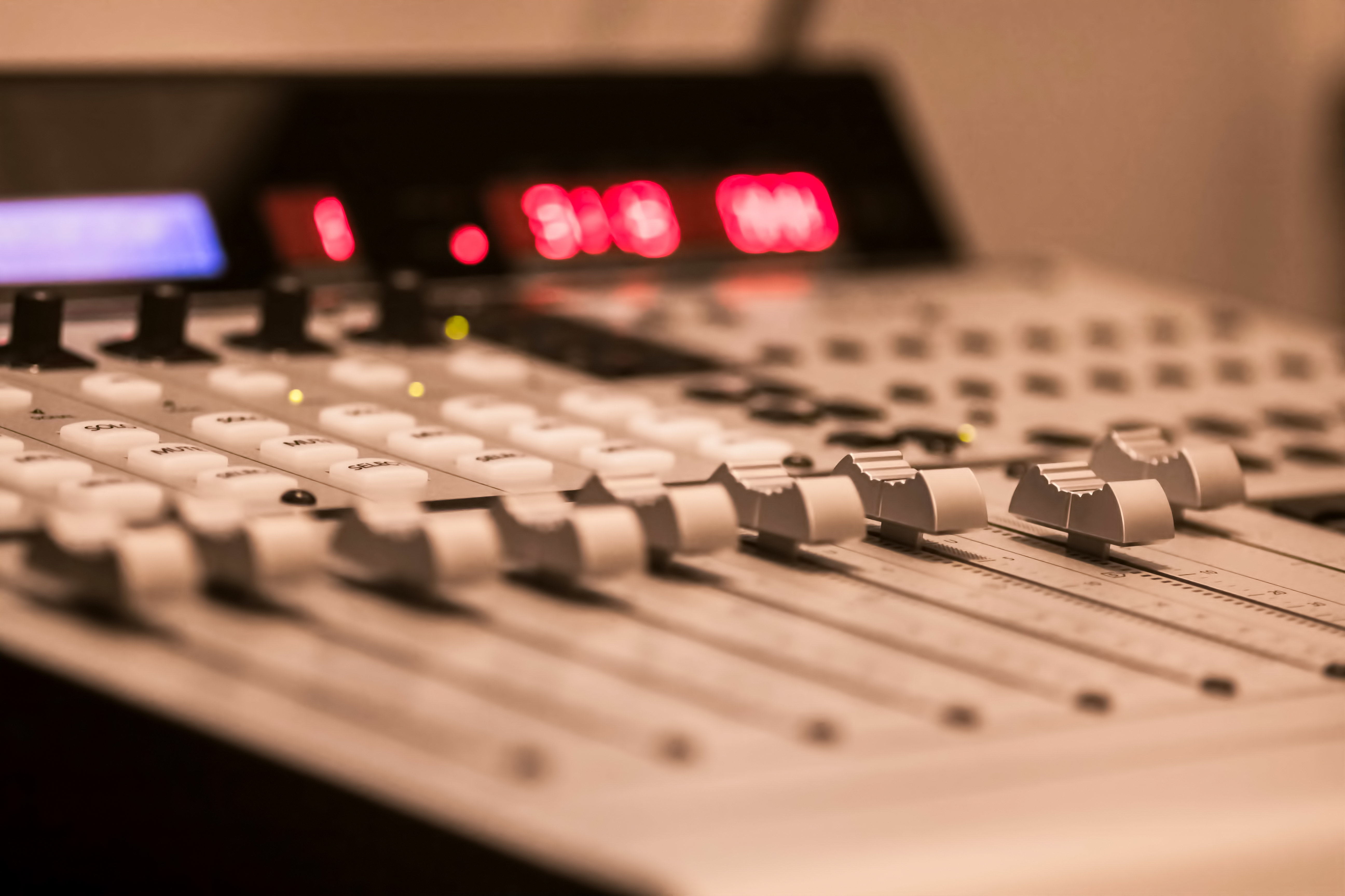 Ph Ng Thu M Tmh Studio Mackie Control Universal Pro