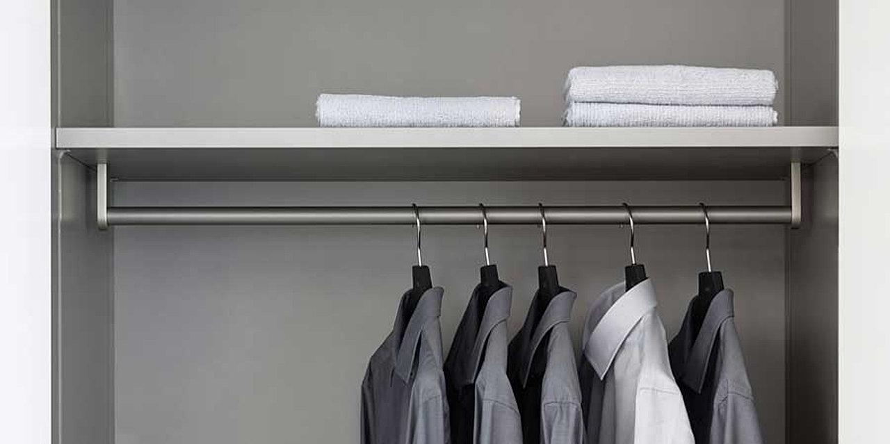 Schalfzimmermöbel und Kleiderschränke